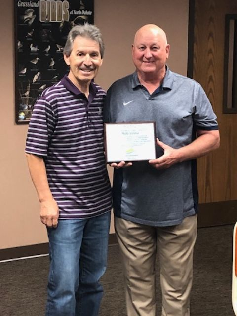 Longtime FOLS director Bob Valeu retires from FOLS board, honored with 'The Tolly'